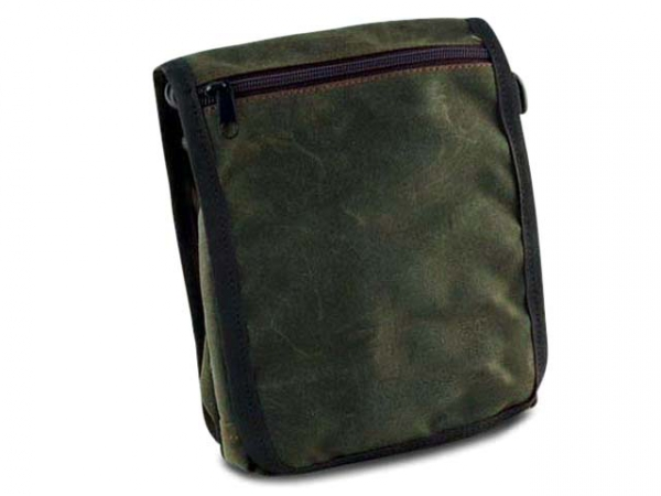 PAW of Sweden´s Messenger Bag Classic  waxed cotton olive in the group Hunting / Game bags/Bags and more / Messenger bags at PAW of Sweden AB (606WCO)